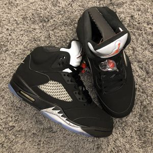 2016 AIR JORDAN 5 RETRO BLACK METALLIC SIZE 8 for Sale in Queens, NY