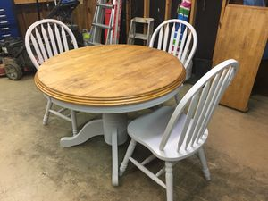 Kitchen table and 3 chairs for Sale in NC, US