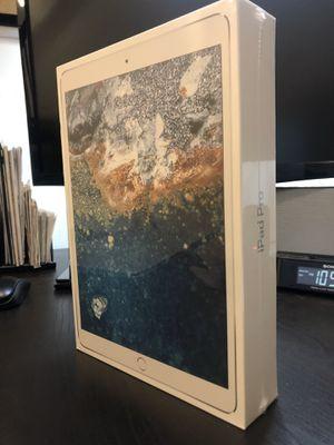 Apple iPad Pro 2nd Gen. 512GB, Wi-Fi, 10.5in - Silver for Sale in Stone Ridge, VA