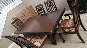 Brown dining room table for Sale in Princeton, FL