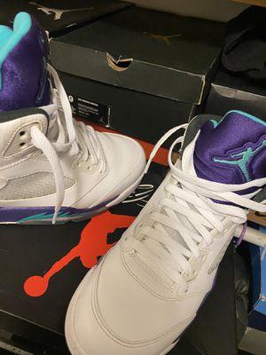 """Retro 5 OG """"Grape"""" size 9 men's for Sale in NEW YORK, NY"""