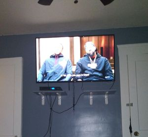 """50"""" TCL ROKU SMART TV for Sale in Cleveland, OH"""