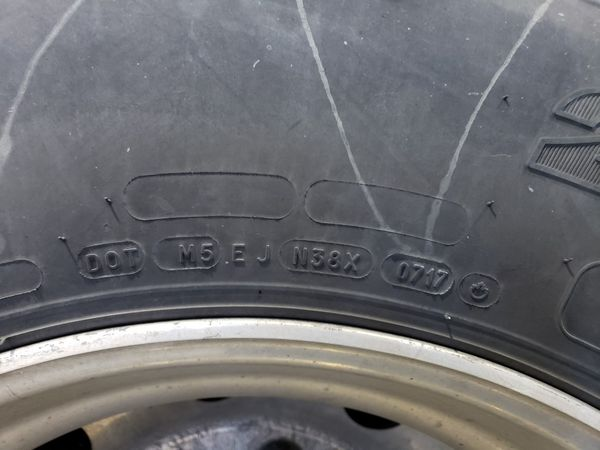 Truck tires 275/80 R 22.5