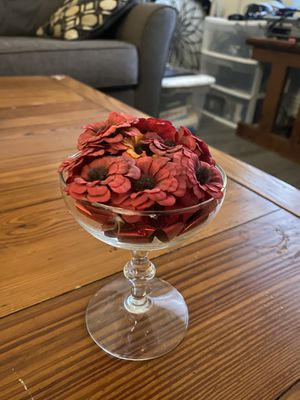 """6"""" Artificial Red Flowers in Clear Chalice Vase for Sale in Ithaca, NY"""