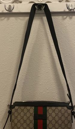 Gucci men or women's cross body bag for Sale in Portland,  OR