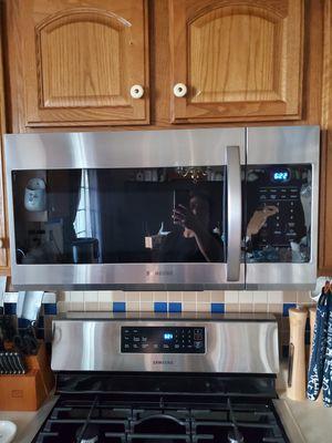 $200 brand new Samsung microwave for Sale in Mechanicsburg, PA