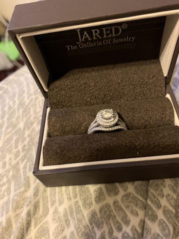 Jared Wedding ring and band