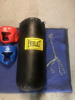 Everlast Punching Bag with gloves and headgear for Sale in Crest Hill, IL
