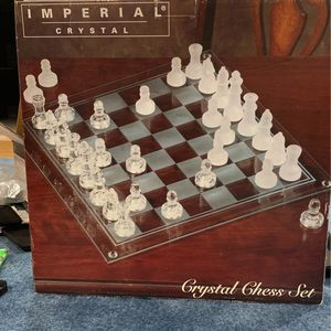 Collectible Crystal Chess Set for Sale in Monroe Township, NJ