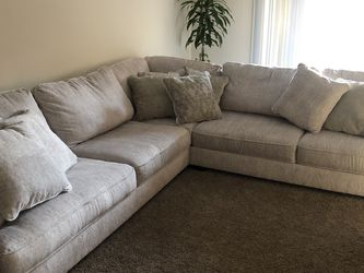 Ashley's Furniture 3 Piece Sectional for Sale in Costa Mesa,  CA