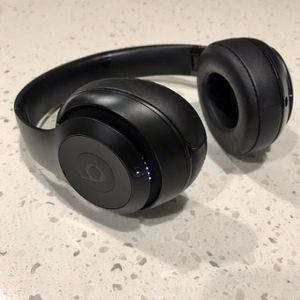 Beats Studio 3 Wireless for Sale in Puyallup, WA