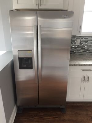 Brand new whirlpool stainless steal kitchen set 4pc for Sale in Chicago, IL