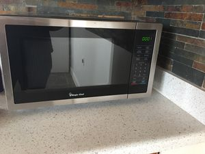 Magic chef microwave for Sale in Galt, CA