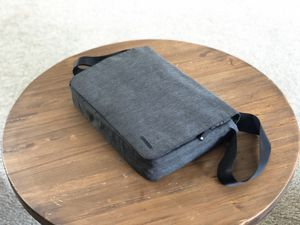 "Incase 15"" Laptop Messenger bag for Sale in Lititz, PA"