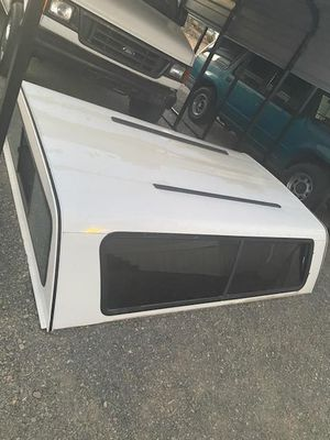 Truck bed camper shell 8' for Sale in Sun Valley, NV