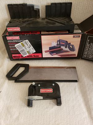Craftsman miter box with saw, in great condition for Sale in Manassas, VA