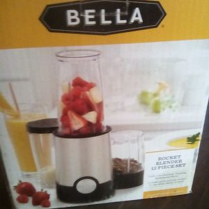 Bella Mini Mixer $6 for Sale in Tulare, CA