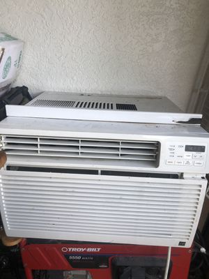 LG window ac unit. Only use for a couple of months. for Sale in Naples, FL