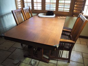 Antique Oak Craftsman Dining Table with Chairs (BEST OFFER, NEEDS TO GO) for Sale in Phoenix, AZ