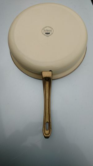 La cuisine White Ivory gold trim enamel coated 10 in non-stick skillet for Sale in Columbus, OH