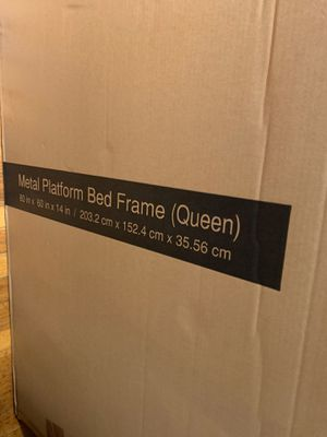 Metal platform bed frame queen for Sale in Queens, NY