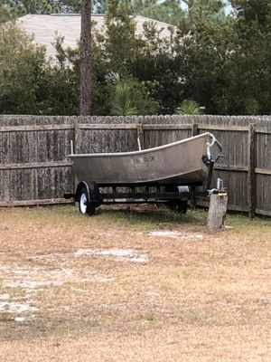 17ft Aluminum flat bottom boat & trailer for Sale in Gulf Breeze, FL