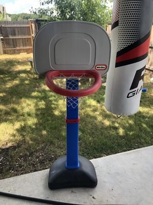 Basketball hoop for Sale in Liberty Hill, TX