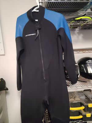 Henderson front zip 3mm for Sale in Land O Lakes, FL