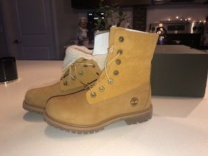 Woman's timberland boots for Sale in West Palm Beach, FL