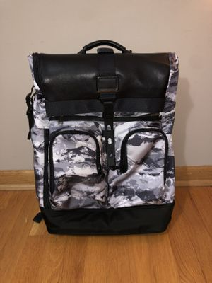 Tumi backpack London roll top for Sale in Oak Lawn, IL