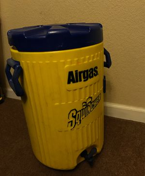 Sqwincher 4 gallon hydrated / water cooler for Sale in Parker, CO