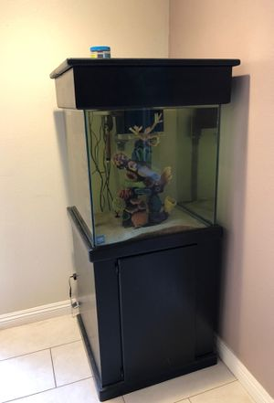 Fish tank. ( currently being used for salt water) for Sale in Brea, CA