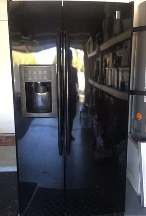 GE Profile Refrigerator double door fridge for Sale in Las Vegas, NV