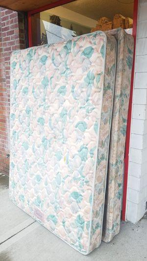 FREE Queen mattress for Sale in Marysville, WA