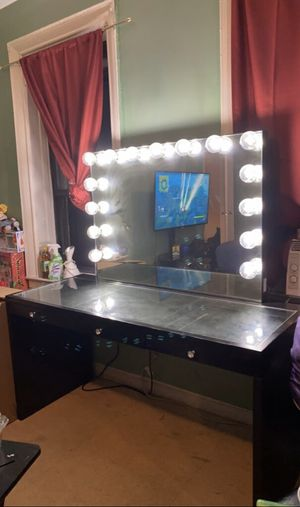 Makeup vanity for Sale in The Bronx, NY