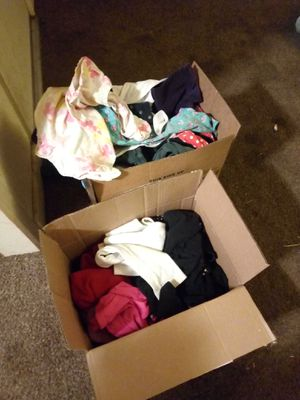 Free .. Two boxes full of girls size 5 and 6 clothing for Sale in Fresno, CA
