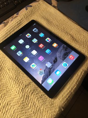 APPLE IPAD AIR 9.7 INCHES SILVER LIKE NEW TABLET for Sale in Los Angeles, CA