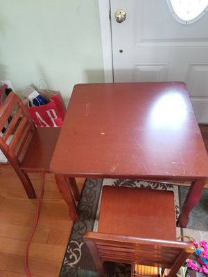 KIDS SMALL TABLE AND CHAIRS NICE!! for Sale in Arlington, VA