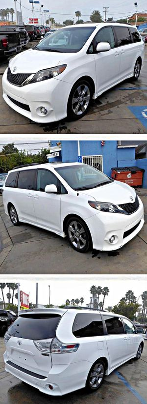 2011 Toyota SiennaBase V6 for Sale in South Gate, CA