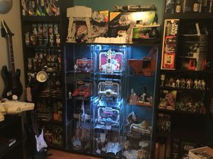 Buying 70's and 80's Star Wars toys, Figures, vehicles, playsets and other items for Sale in North Providence, RI