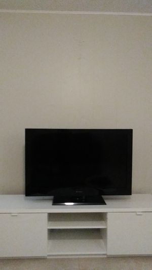 "42"" emerson tv for Sale in TEMPLE TERR, FL"