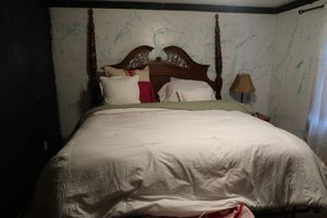 King XL size wood bed frame for Sale in Leominster, MA