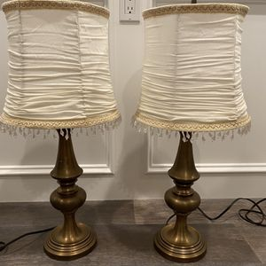 Set Of Two Gold Table Lamps for Sale in Simi Valley, CA