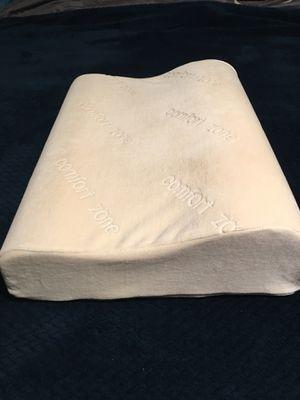 Memory foam pillow lite used for Sale in Marysville, WA