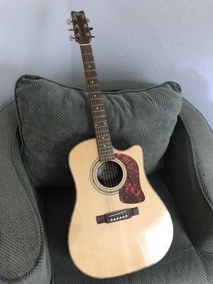 Electric acoustic guitar for Sale in Norfolk, VA