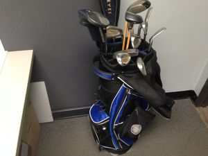 Golf Bag w/ Golf Clubs and Golf Balls for Sale in Corona, CA