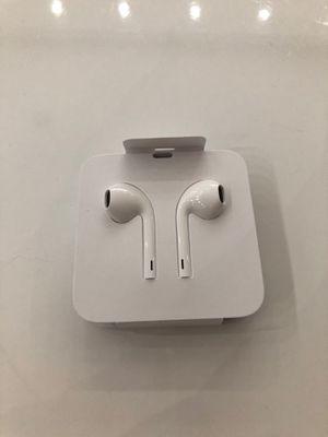 New Apple Headphones (Lighting cable) for Sale in Garner, NC