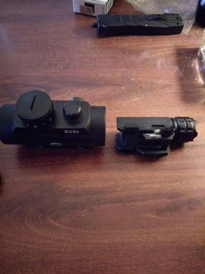 Red dot & mounted flash light for Sale in Manton, MI
