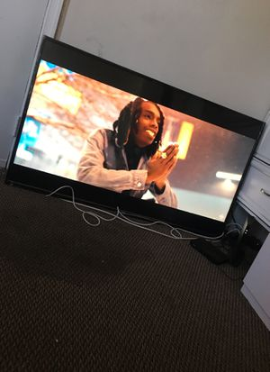 Best offer !!??65inch TCL ROKU TV BARELY USED for Sale in Washington, DC