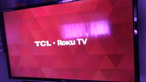 32 inch TCL ROKU TV for Sale in Bloomington, CA